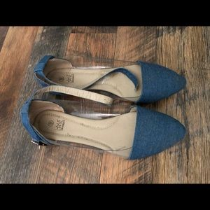 Shoes - Blue jean flats